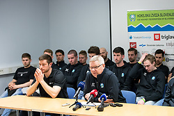 Kari Savolainen, head coach of Slovenia with players during press conference at first practice of Slovenian National Ice Hockey team before IIHF Ice Hockey World Championship Division I Group A in Budapest, on April 17, 2018 in Ledena dvorana, Bled, Slovenia. Slovenia. Photo by Matic Klansek Velej / Sportida