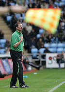 Coventry - Saturday August 9th, 2008: Glenn Roeder, manager of Norwich City, during the Coca Cola Championship match against Coventry City at The Ricoh Arena, Coventry. (Pic by Michael Sedgwick/Focus Images)