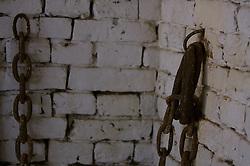 """Em estilo português datado de 1882, o casarão faz parte de uma propriedade rural com cerca de 40 hectares, denominada """"Sítio do Sobrado"""". O porão da casa abrigou uma senzala com grande número de escravos. Atualmente abriga a Fundação Municipal do Meio Ambiente. Na última sexta-feira de cada mês ocorre o """"Seresta no Casarão"""". Endereço: Rodovia RS 030, km 32. FOTO: Jefferson Bernardes/Preview.com"""