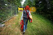 Foto: Gerrit de Heus. Emmen. 13-06-2015. Armand en The Kik op Retropop. Armand loopt terug naar de kleedkamer, na het optreden.