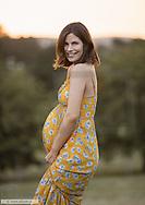 Glueckliche schwangere Frau (model-released)