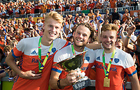 AMSTELVEEN -  Joep de Mol, Bob de Voogd (Ned) en Mink van der Weerden (Ned) ,  na  de finale Belgie-Nederland (2-4) bij de Rabo EuroHockey Championships 2017. .  COPYRIGHT KOEN SUYK