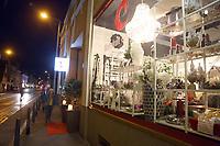Mannheim. 04.11.17 | Lange Nacht der Kunst und Genüsse<br /> Lange Nacht der Kunst und Genüsse in den Stadtteilen.<br /> - Feudenheim. Eröffnung bei Wohnkult & Genuss<br /> <br /> BILD- ID 20923 |<br /> Bild: Markus Prosswitz 04NOV17 / masterpress (Bild ist honorarpflichtig - No Model Release!)