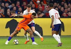 Memphis Depay of Netherlands takes on Kieran Trippier of England - Mandatory by-line: Robbie Stephenson/JMP - 23/03/2018 - FOOTBALL - Amsterdam ArenA - Amsterdam,  - Netherlands v England - International Friendly
