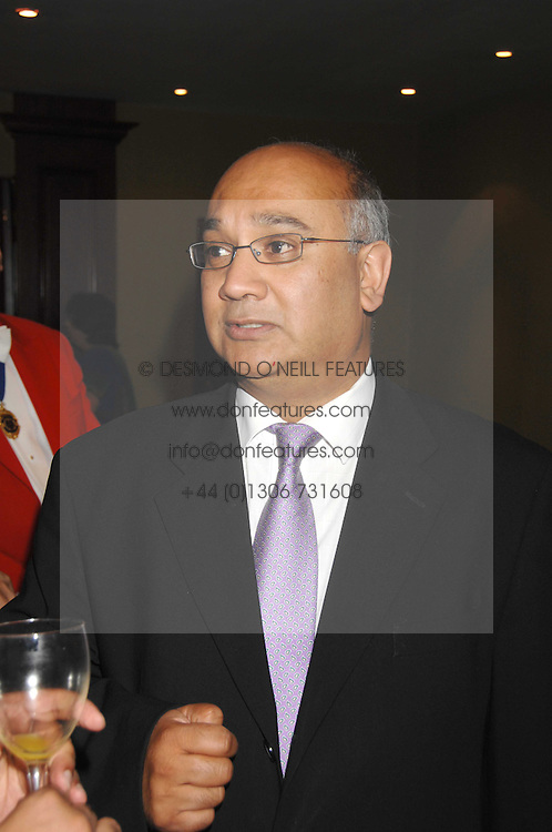 KEITH VAZ MP at the Eastern Eye Asian Business Awards 2007 in the presence of HRH The Duke of York at the Hilton Park Lane, London on 8th May 2007.<br /><br />NON EXCLUSIVE - WORLD RIGHTS