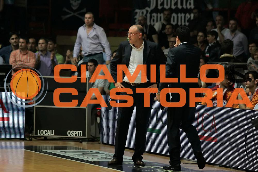 DESCRIZIONE : Caserta Lega A 2009-10 Playoff Quarti di Finale Gara 2 Pepsi Caserta Lottomatica Virtus Roma<br /> GIOCATORE : Matteo Boniciolli<br /> SQUADRA : Lottomatica Virtus Roma<br /> EVENTO : Campionato Lega A 2009-2010 <br /> GARA : Pepsi Caserta Lottomatica Virtus Roma<br /> DATA : 23/05/2010<br /> CATEGORIA : ritratto delusione<br /> SPORT : Pallacanestro <br /> AUTORE : Agenzia Ciamillo-Castoria/A.De Lise<br /> Galleria : Lega Basket A 2009-2010 <br /> Fotonotizia : Caserta Lega A 2009-10 Playoff Quarti di Finale Gara 2 Pepsi Caserta Lottomatica Virtus Roma<br /> Predefinita :