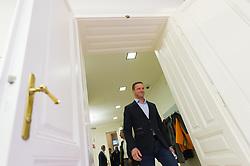 13.10.2015, Parlamentsklub, Wien, AUT, FPÖ, Pressekonferenz nach Landes- und Bundesparteivorstand anlässlich der Wien-Wahl 2015, im Bild Vizebürgermeister Wien Johann Gudenus // during press conference of the austrian freedom party after board meeting according to city council election in Vienna, Austria on 2015/10/13. EXPA Pictures © 2015, PhotoCredit: EXPA/ Michael Gruber