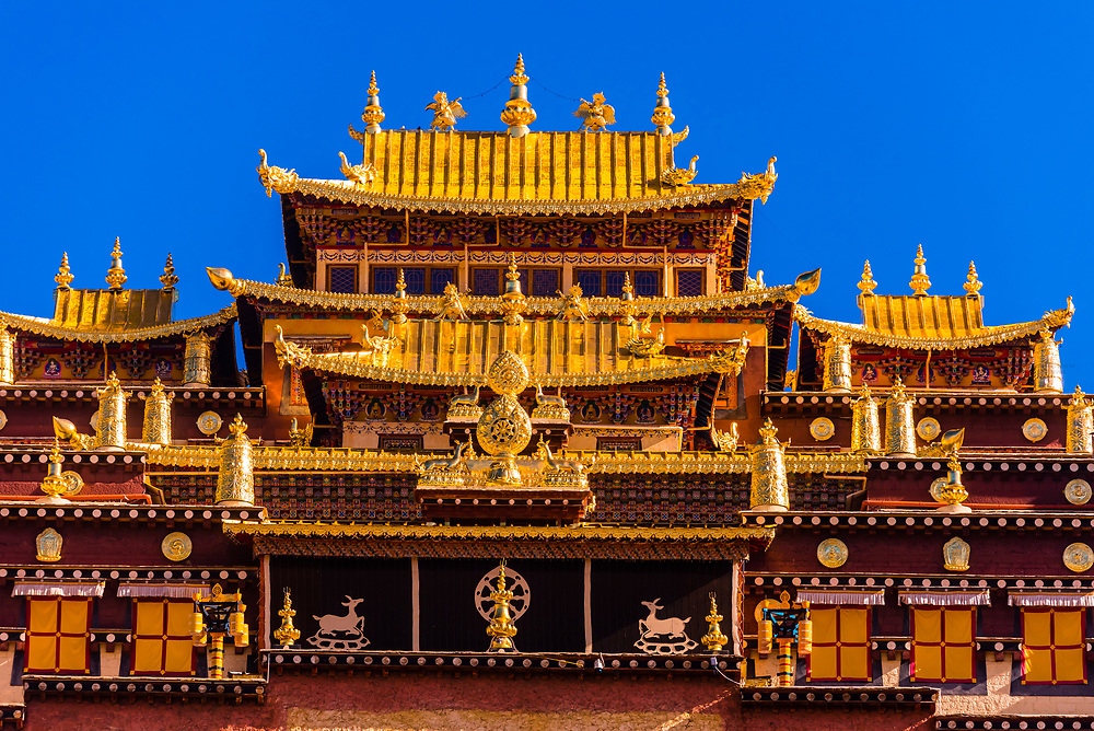 Songzanlin (Ganden Sumtsenling) Monastery, Shangri La, Yunnan Province, China. It is the largest Tibetan Buddhist monastery in Yunnan Province.