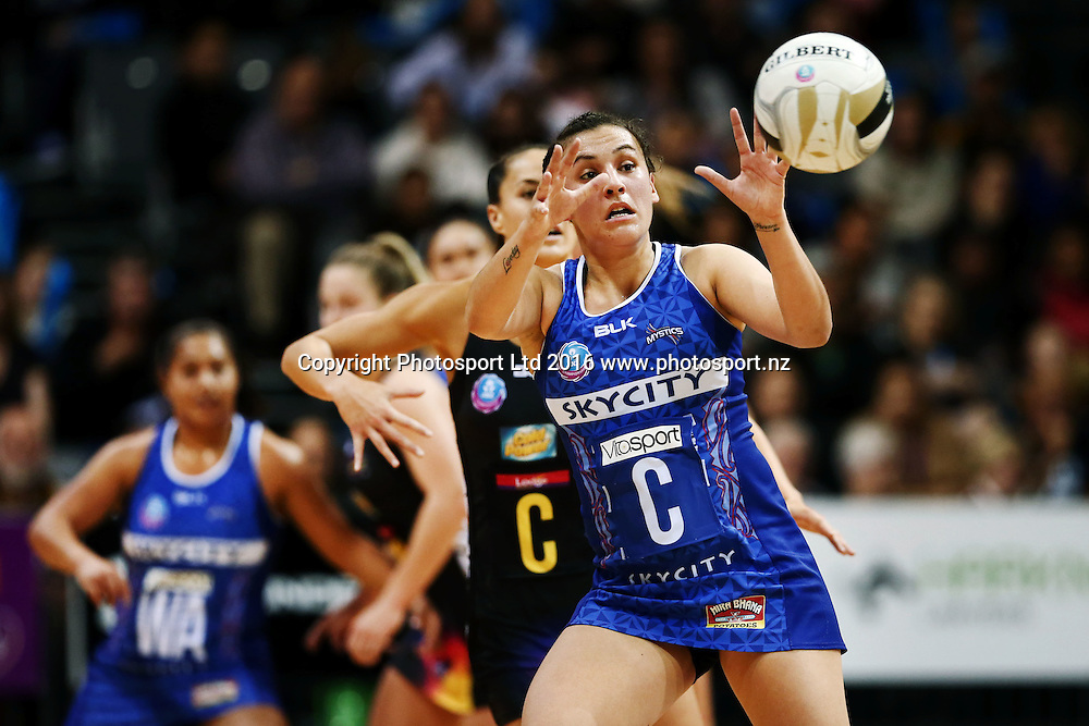 Nadia Loveday of the Mystics takes a pass. 2016 ANZ Championship, New Zealand Conference Elimination Final, Waikato BOP Magic v Northern Mystics, Claudelands Arena, Hamilton, New Zealand. 10 July 2016. Photo: Anthony Au-Yeung / www.photosport.nz