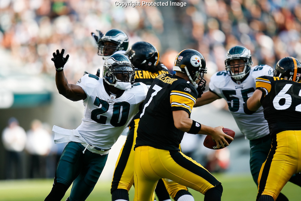 21 Sept 2008: Philadelphia Eagles FS Brian Dawkins #20 gets his arms around Pittsburgh Steelers quarterback Ben Roethlisberger #7 during the game against the Pittsburgh Steelers on September 21st, 2008.  The Eagles won 15-6 at Lincoln Financial Field in Philadelphia Pennsylvania.
