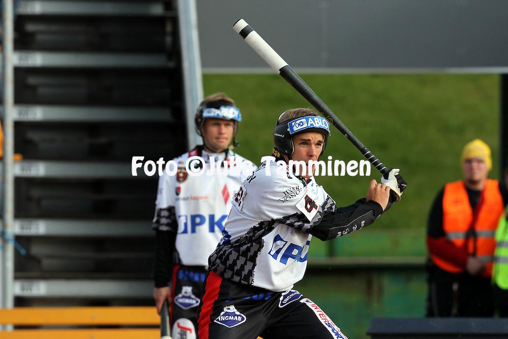 14.6.2011, Kouvola..Superpesis 2011, Kouvolan Pallonly?j?t  - Joensuun Maila..Aleksi Rautiainen - JoMa...