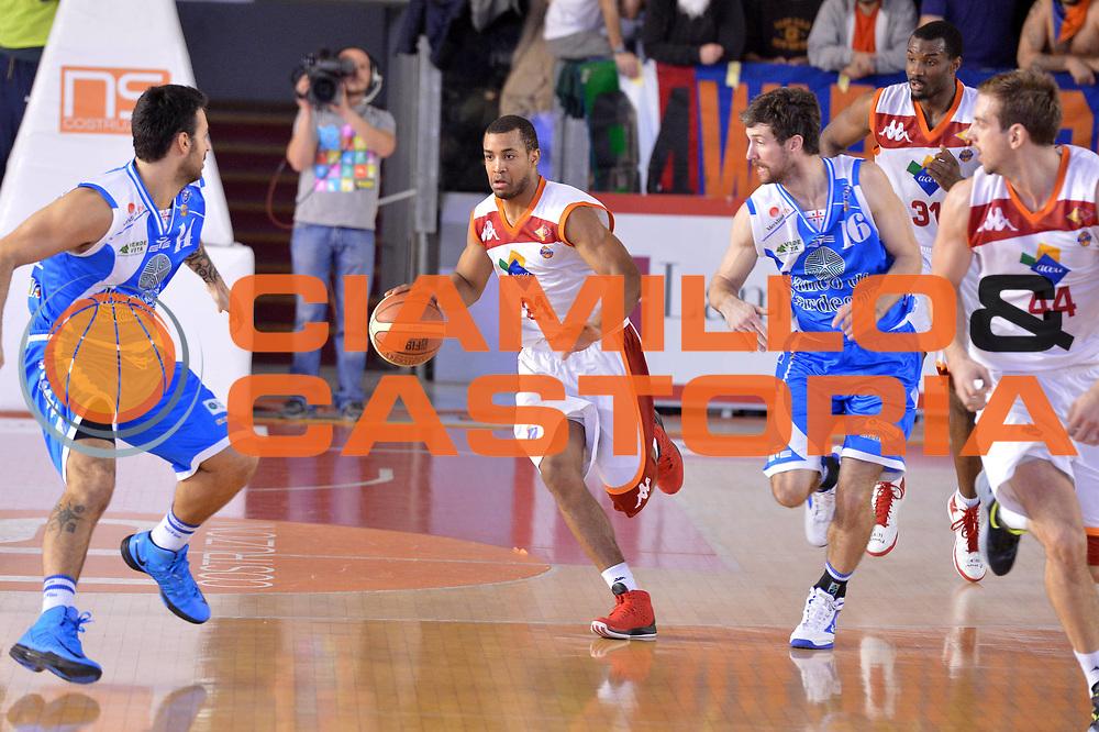 DESCRIZIONE : Roma Lega A 2012-13 Acea Roma Banco di Sardegna Sassari<br /> GIOCATORE : Jordan Taylor<br /> CATEGORIA : contropiede<br /> SQUADRA : Acea Roma<br /> EVENTO : Campionato Lega A 2012-2013 <br /> GARA : Acea Roma Banco di Sardegna Sassari<br /> DATA : 23/12/2012<br /> SPORT : Pallacanestro <br /> AUTORE : Agenzia Ciamillo-Castoria/GiulioCiamillo<br /> Galleria : Lega Basket A 2012-2013  <br /> Fotonotizia :  Roma Lega A 2012-13 Acea Roma Banco di Sardegna Sassari<br /> Predefinita :