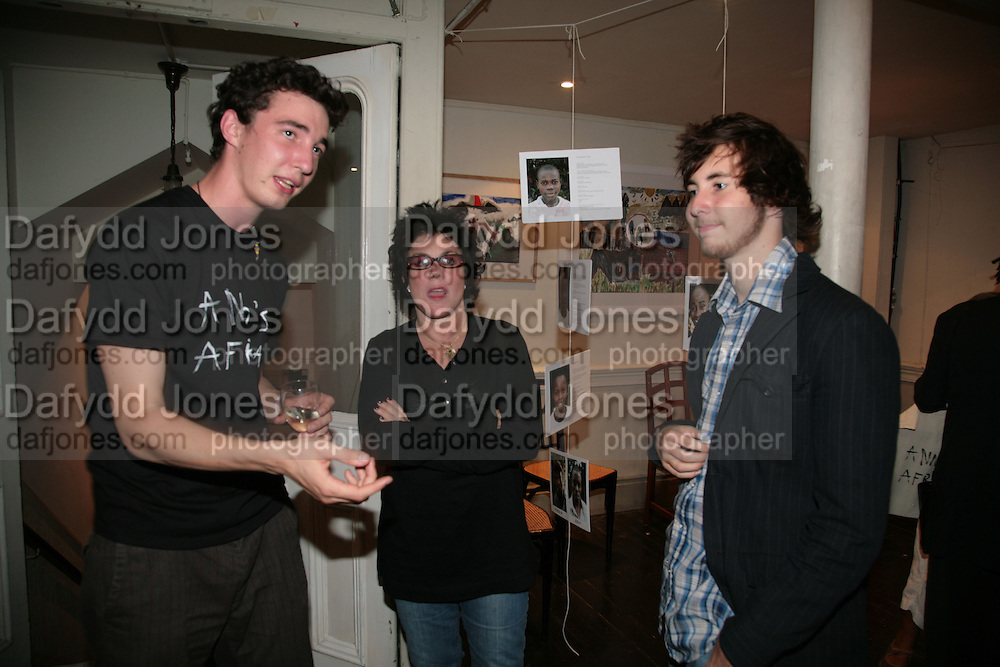 GEORGE BIRKIN, RUBY WAX AND MAX BYE, 'Anno's Africa' Opening of a charity fundraising  exhibition of paintings created by children from the Nairobi slums. Anno's Africa is an educational arts project in Nairobi which was set up in memory of Anno Birkin who died with two members of his band in a tragic car crash.  -DO NOT ARCHIVE-© Copyright Photograph by Dafydd Jones. 248 Clapham Rd. London SW9 0PZ. Tel 0207 820 0771. www.dafjones.com.