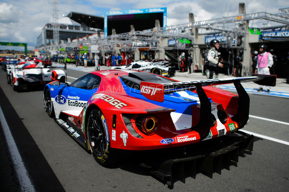 June 14-19, 2016: 24 hours of Le Mans. 68 FORD CHIP GANASSI TEAM USA, FORD GT, Joey HAND, Dirk MÜLLER, Sébastien BOURDAIS, LM GTE Pro