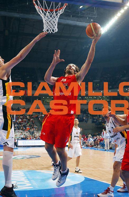 DESCRIZIONE : Belgrado Belgrade Eurobasket Men 2005 Germania Spagna<br /> GIOCATORE : Garbajosa<br /> SQUADRA : Spagna Spain<br /> EVENTO : Eurobasket Men 2005 Campionati Europei Uomini 2005<br /> GARA : Germania Spagna Germany Spain<br /> DATA : 24/09/2005<br /> CATEGORIA :<br /> SPORT : Pallacanestro<br /> AUTORE : Ciamillo&amp;Castoria/Fiba Europe Pool