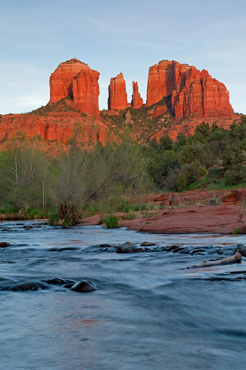 The red rocks of Sedona are truly breathtaking. Millions of years ago, the Sedona area was covered with water and it is erosion from this flowing water which formed these spectacular red rock buttes.