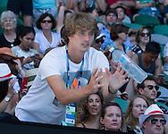 ALEXANDER ZVEREV (GER) in der Spielerloge, bekommt eine Flasche Wasser zugeworfen.<br /> <br /> Australian Open 2017 -  Melbourne  Park - Melbourne - Victoria - Australia  - 22/01/2017.