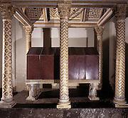 Palermo, the cathedral, tomb of king Ruggero (1156).<br /> Cattedrale di Palermo, tomba di re Ruggero (1156).