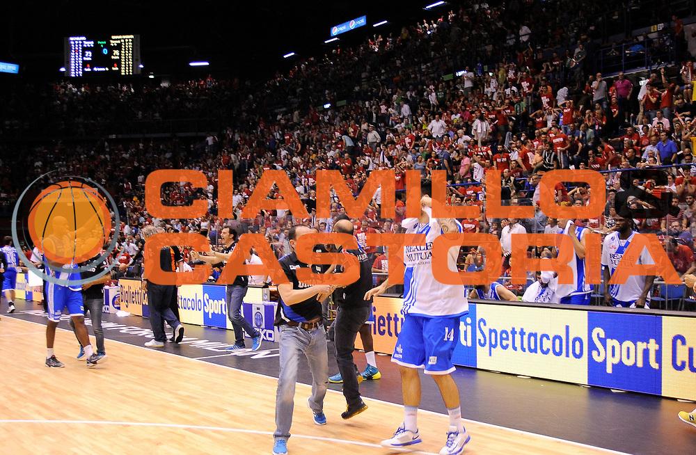 DESCRIZIONE : Milano Campionato Lega A 2013-2014  EA7 Emporio Armani Milano Banco di Sardegna Sassari playoff  Semifinali Gara 5<br /> GIOCATORE : <br /> CATEGORIA : Esultanza<br /> SQUADRA : Banco Di Sardegna Sasari<br /> EVENTO : Campionato Lega A 2013-2014 playoff  Semifinali Gara 5 <br /> GARA : EA7 Emporio Armani Milano Banco Di Sardegna Sassari playoff  Semifinali Gara 5 <br /> DATA : 07/06/2014 <br /> SPORT : Pallacanestro <br /> AUTORE : Agenzia Ciamillo-Castoria/A.Giberti <br /> GALLERIA : Lega A playoff 2013-2014 <br /> FOTONOTIZIA : Milano Campionato Lega A 2013-2014  EA7 Emporio Armani Milano Banco di Sardegna Sassari playoff  Semifinali Gara 5
