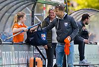BLOEMENDAAL - Hockey- competitiewedstrijd Bloemendaal MA1-HDM MA1 . coach Warner van der Vegt, Manager Marjolein Visser  en   COPYRIGHT KOEN SUYK