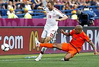 Fotball<br /> EM 2012<br /> 09.06.2012<br /> Danmark v Nederland / Holland<br /> Foto: Gepa/Digitalsport<br /> NORWAY ONLY<br /> <br /> UEFA Europameisterschaft 2012 in Polen und der Ukraine, Laenderspiel, Gruppenphase, Niederlande vs Daenemark. <br /> <br /> Bild zeigt Dennis Rommedahl (DEN) und Nigel de Jong (NED).