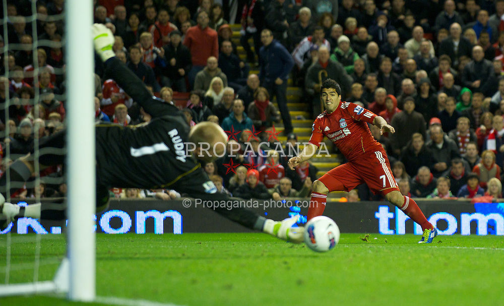 LIVERPOOL, ENGLAND - Saturday, October 22, 2011: Liverpool's Luis Alberto Suarez Diaz misses a late chance against Norwich City's goalkeeper John Ruddy during the Premiership match at Anfield. (Pic by David Rawcliffe/Propaganda)
