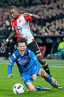 ROTTERDAM - Feyenoord - AZ , Voetbal , Seizoen 2015/2016 , Halve finales KNVB Beker , Stadion de Kuip , 03-03-2016 , Speler van Feyenoord Eljero Elia (r) in duel met AZ speler Joris van Overeem (l)