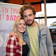 NLD/Amstelveen/20181109- Boekpresentatie Jim Bakkum 'Dadoe en zijn vriendjes' , Jim Bakkum en partner Bettina Holwerda