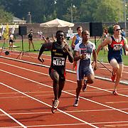 Arenagames 2004, 100 meter heren, Samuel Adade(114), <br /> Virgil Spier(6), bas de Vos (110)