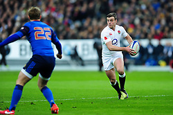 George Ford of England in possession - Mandatory byline: Patrick Khachfe/JMP - 07966 386802 - 19/03/2016 - RUGBY UNION - Stade de France - Paris, France - France v England - RBS Six Nations.