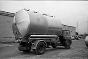 04/03/1964<br /> 04/03/1964<br /> 04 March 1964<br /> Steel tank on a ruck belonging to David Patton Ltd. Millers, Monaghan,  at A.P.V. Desco, Long Mile Road, Dublin.