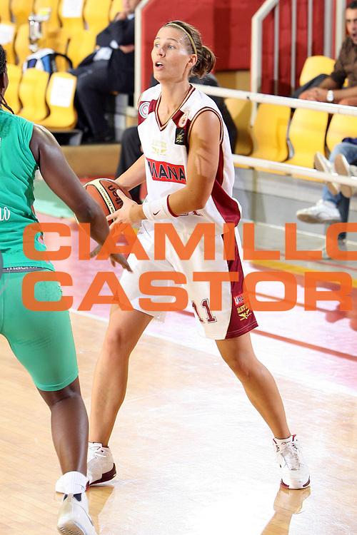 DESCRIZIONE : Roma Lega A1 Femminile 2008-09 Prima giornata Campionato Acer Erg Priolo Umana Reyer Venezia <br /> GIOCATORE : Cristine Jenifer Nadalin<br /> SQUADRA : Umana Reyer Venezia<br /> EVENTO : Campionato Lega A1 Femminile 2008-2009 <br /> GARA : Acer Erg Priolo Umana Reyer Venezia<br /> DATA : 11/10/2008 <br /> CATEGORIA : <br /> SPORT : Pallacanestro <br /> AUTORE : Agenzia Ciamillo-Castoria/E.Castoria