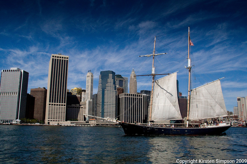 Sailing the East River
