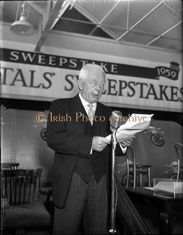 22/10/1959<br /> 10/22/1959<br /> 22 October 1959<br /> Irish Hospitals Trust 97th Sweepstake Draw on Cambridgeshire 1959 at Irish Hospital Sweepstakes office, Ballsbridge, Dublin. Mr Jack O'Sheehan, Director of Draw, announcing a record Sweep.