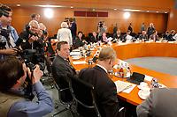 """16 JUN 2003, BERLIN/GERMANY:<br /> Gerhard Schroeder, SPD, Bundeskanzler, und Ole von Beust (R), 1. Buergermeister Hamburg, vor Beginn der Gespraechs mit Teilnehmers des  Runden Tisches """"Medien gegen Gewalt"""", Internationaler Konferenzsaal, Bundeskanzleramt <br /> IMAGE: 20030616-03-017<br /> KEYWORDS: Gerhard Schröder"""