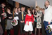 H.K.H. Prinses Máxima woont de uitreiking bij van het Nationale Compliment en Uitreiking MADD-Awards  in het Auditorium van de Rabobank te Utrecht op zaterdag 16 december 2006. / H.R.H. Prinses Máxima attends the presentation  of the National Compliment and the presentation of the MADD awards at the RABO bank in Utrecht. OP de foto/On the photo: De winnaars van de MADD awards / The winners of the MADD awards