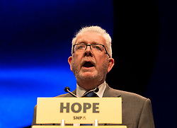Pictured: Mike Russell speaks to a packed conference hall on the final day of the conference.<br /> <br /> &copy; Dave Johnston / EEm