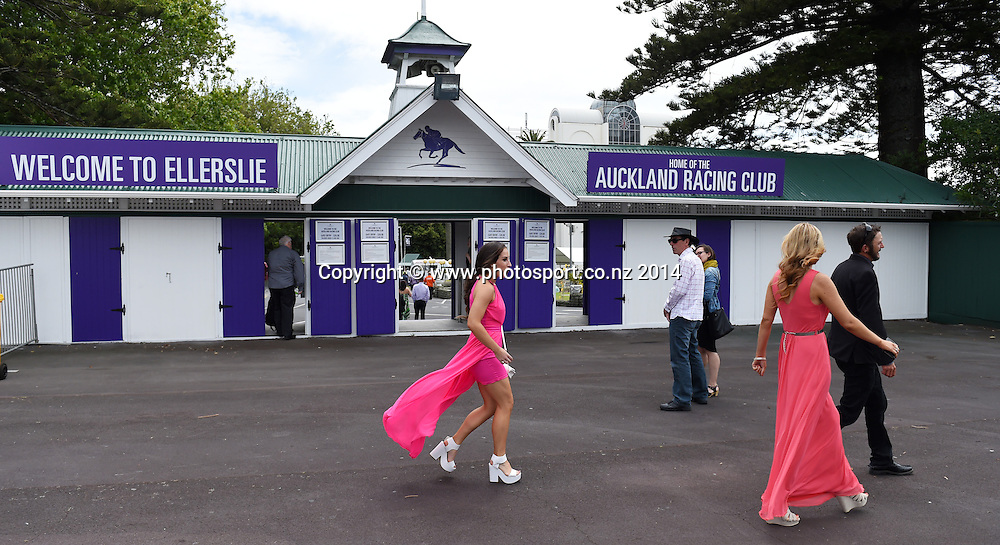 Fashion and punters at the Boxing Day Races at Ellerslie Racecourse in Auckland. Horse Racing. New Zealand. Friday 26 December 2014. Photo: Andrew Cornaga/www.photosport.co.nz