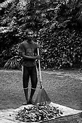 LUNUGANGA.<br /> Ashan - sweeping in the morning.