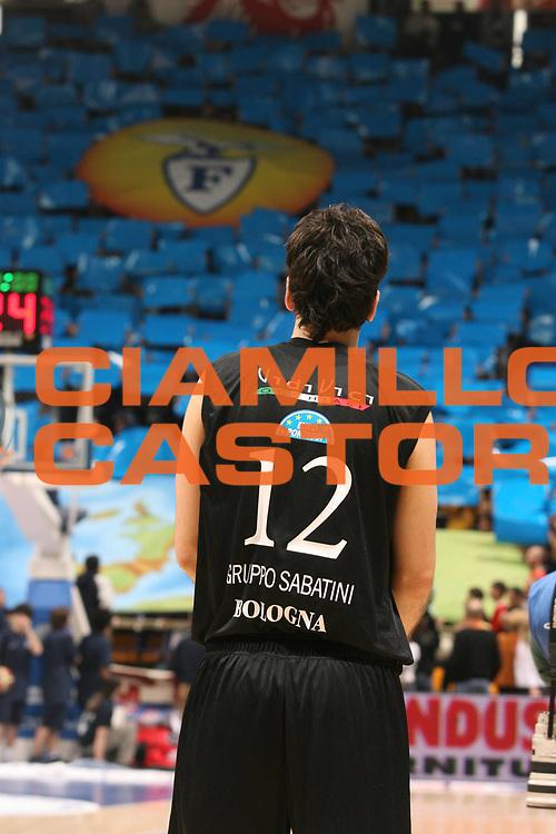 DESCRIZIONE : Bologna Lega A1 2006-07 Climamio Fortitudo Bologna VidiVici Virtus Bologna <br /> GIOCATORE : Giovannoni Fossa dei Leoni Tifosi Coreografia Iniziale<br /> SQUADRA : Climamio Fortitudo Bologna<br /> EVENTO : Campionato Lega A1 2006-2007 <br /> GARA : Climamio Fortitudo Bologna VidiVici Virtus Bologna <br /> DATA : 11/03/2007 <br /> CATEGORIA : Curiosita<br /> SPORT : Pallacanestro <br /> AUTORE : Agenzia Ciamillo-Castoria/M.Marchi