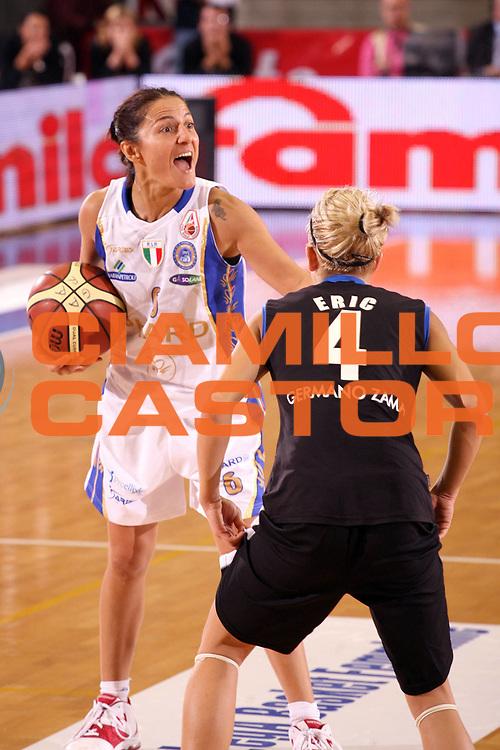 DESCRIZIONE : Napoli Supercoppa Italiana LegA Basket Femminile 2007-2008 Phard Napoli Germano Zama Faenza<br /> GIOCATORE : Mariangela Cirone<br /> SQUADRA : Phard Napoli <br /> EVENTO : Supercoppa Italiana LegA Basket Femminile<br /> GARA : Phard Napoli Germano Zama Faenza<br /> DATA : 14/10/2007 <br /> CATEGORIA :<br /> SPORT : Pallacanestro <br /> AUTORE : Agenzia Ciamillo-Castoria/E.Castoria<br /> Galleria : Lega Basket Femminile 2007-2008<br /> Fotonotizia : Napoli Supercoppa Italiana LegA Basket Femminile 2007-2008 Phard Napoli Germano Zama Faenza<br /> Predefinita :