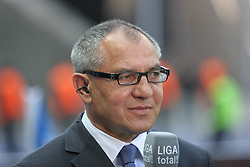 24.04.2010, Olympiastadion Berlin, GER, 1.FBL, Hertha BSC Berlin vs FC Schalke 04 im Bild Felix Magath (Schalke 04-Trainer)  EXPA Pictures © 2010, PhotoCredit: EXPA/ nph/  Hammes / SPORTIDA PHOTO AGENCY