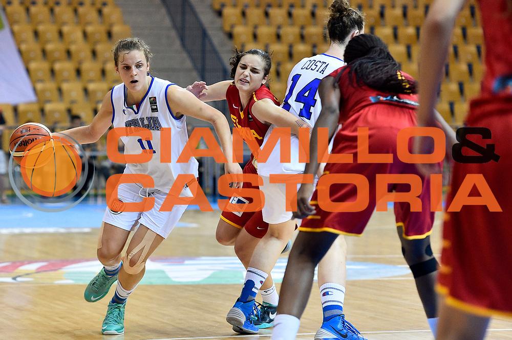 DESCRIZIONE : Celje U20 Campionato Europeo Femminile Semifinale Italia Spagna European Championship Women Semifinal Italy Spain <br /> GIOCATORE : Francesca Pan<br /> CATEGORIA : palleggio penetrazione blocco<br /> SQUADRA : Italia Italy<br /> EVENTO : Celje U20 Campionato Europeo Femminile Semifinale Italia Spagna European Championship Women Semifinal Italy Spain<br /> GARA : Italia Spagna Italy Spain<br /> DATA : 08/08/2015<br /> SPORT : Pallacanestro <br /> AUTORE : Agenzia Ciamillo-Castoria/Max.Ceretti<br /> Galleria : Europeo Under 20 Femminile <br /> Fotonotizia : Celje U20 Campionato Europeo Femminile Semifinale Italia Spagna European Championship Women Semifinal Italy Spain<br /> Predefinita :