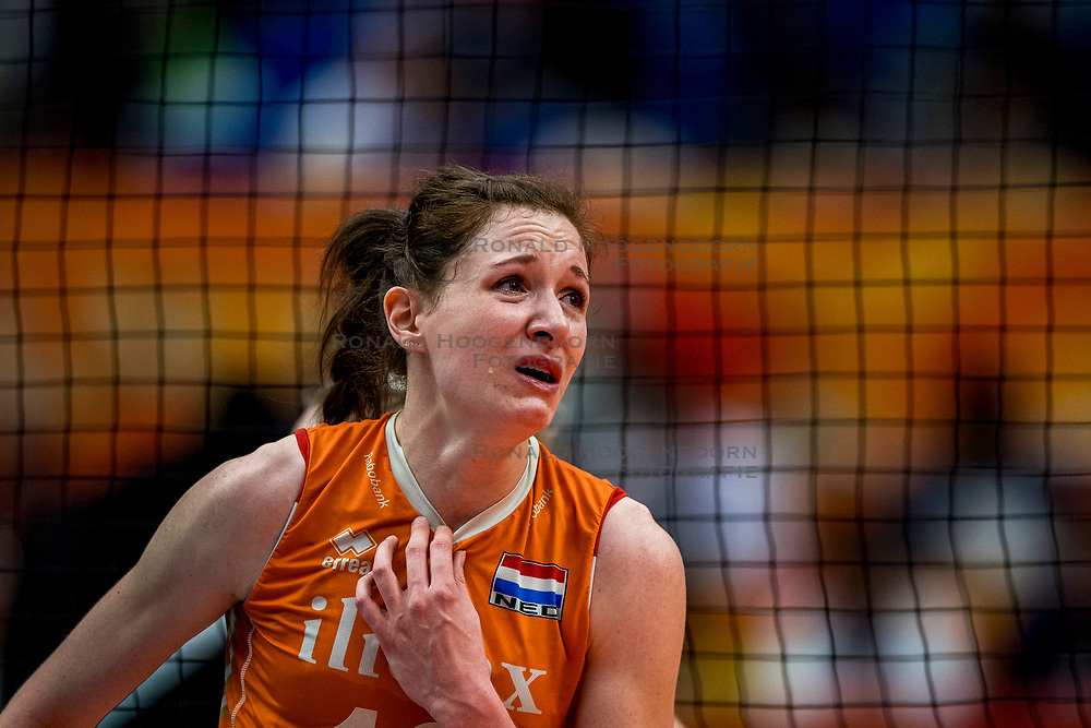 19-10-2018 JPN: Semi Final World Championship Volleyball Women day 18, Yokohama<br /> Serbia - Netherlands / Lonneke Sloetjes #10 of Netherlands