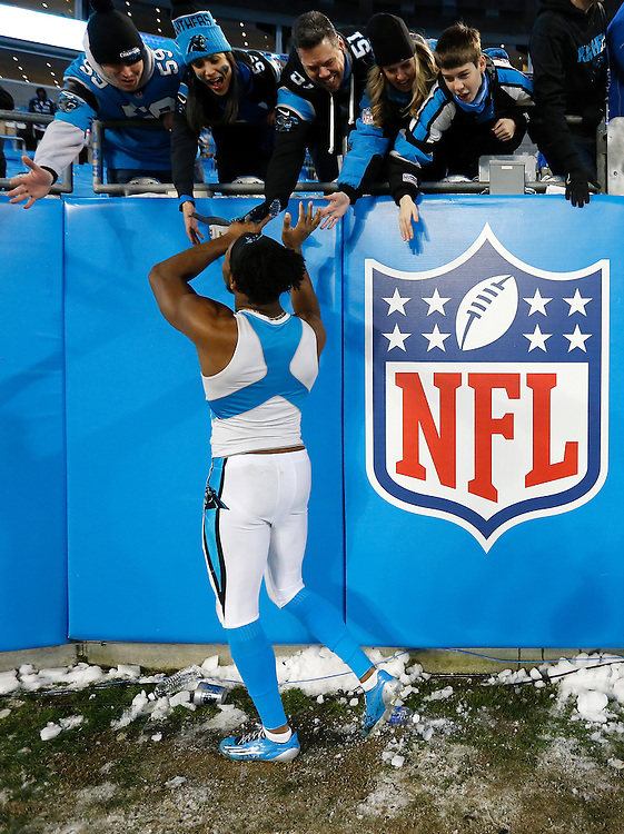 CHARLOTTE, NC - JAN 24:  Cornerback Josh Norman #24 of the Carolina Panthers thanks the fans after the NFC Championship game against the Arizona Cardinals at Bank of America Stadium on January 24, 2016 in Charlotte, North Carolina.