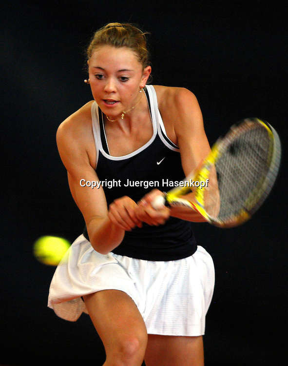 ITF Bueschl Open 2009 , Tennis Turnier in Ismaning, Internationale Bayerische Damen-Hallenmeisterschaft, 14 jaehrige Nachwuchs Spielerin Carina Witthoeft (GER),..Photo: Juergen Hasenkopf