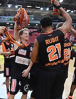 Basketball  1. Bundesliga  2016/2017  Hauptrunde  12. Spieltag  04.12.2016 Walter Tigers Tuebingen - ratiopharm Ulm JUBEL Ulm; Per Guenther (li) und  Augustine Rubit
