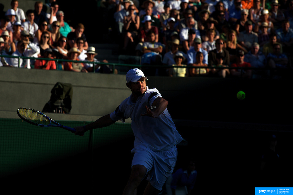 Andy Roddick, USA, in action against Lleyton Hewitt, Australia,  during the Men's Singles Quarter Final Match at the All England Lawn Tennis Championships at Wimbledon, London, England on Wednesday, July 01, 2009. Photo Tim Clayton..