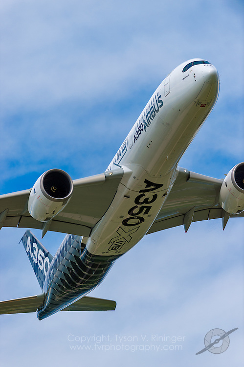 Airbus A350XWB Airliner