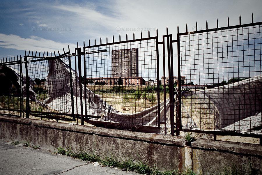Ricerca visiva sulle aree urbane di transizione a Bologna.<br /> Work-in-progress.